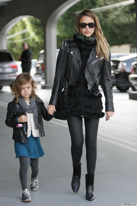 Jessica Alba and daughter Honor Marie Warren head to Color Me Mine in Beverly Hills Los Angeles, California- 13.12.12 Credit: (Mandatory): WENN.com
